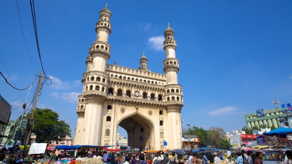 Charminar which includes a monument, a city and heritage architecture