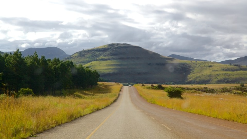 Mpumalanga - Limpopo showing mountains, landscape views and tranquil scenes