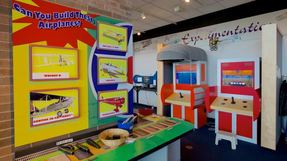 College Park Aviation Museum which includes art