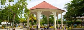 Liberia which includes a square or plaza
