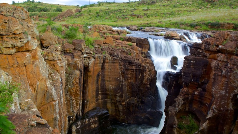 Mpumalanga - Limpopo which includes a cascade and a gorge or canyon