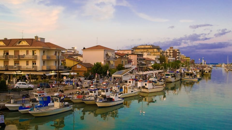 Bellaria-Igea Marina showing a bay or harbor and a city