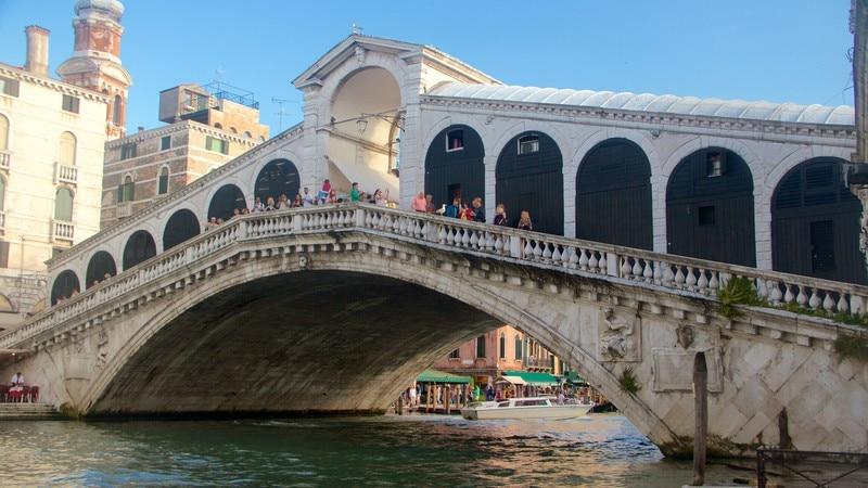 Rialto Bridge which includes a lake or waterhole, heritage architecture and a bridge