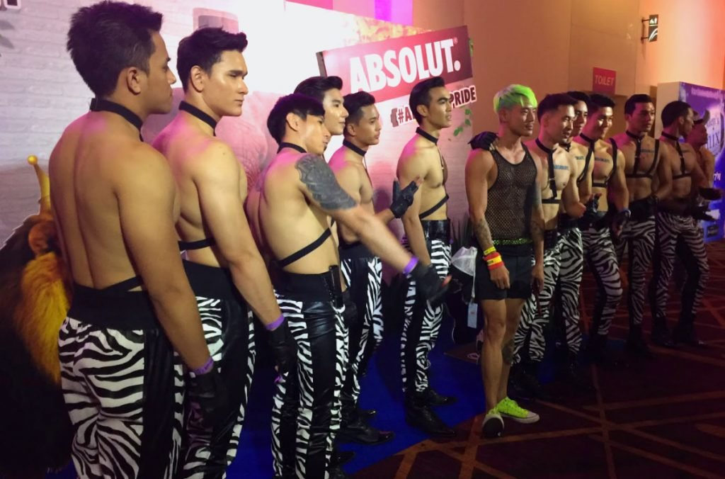 gCircuit Bangkok Tänzer