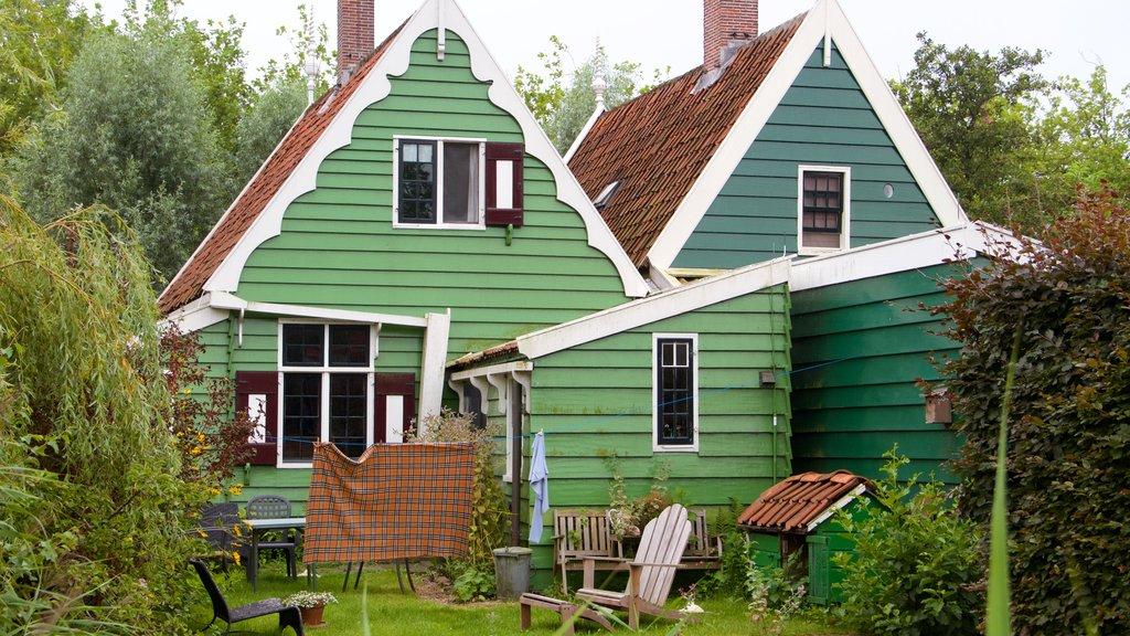 Zaanse Schans which includes a house