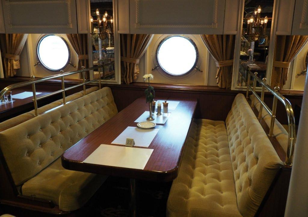 Segelkreuzfahrt Schiffsrestaurant