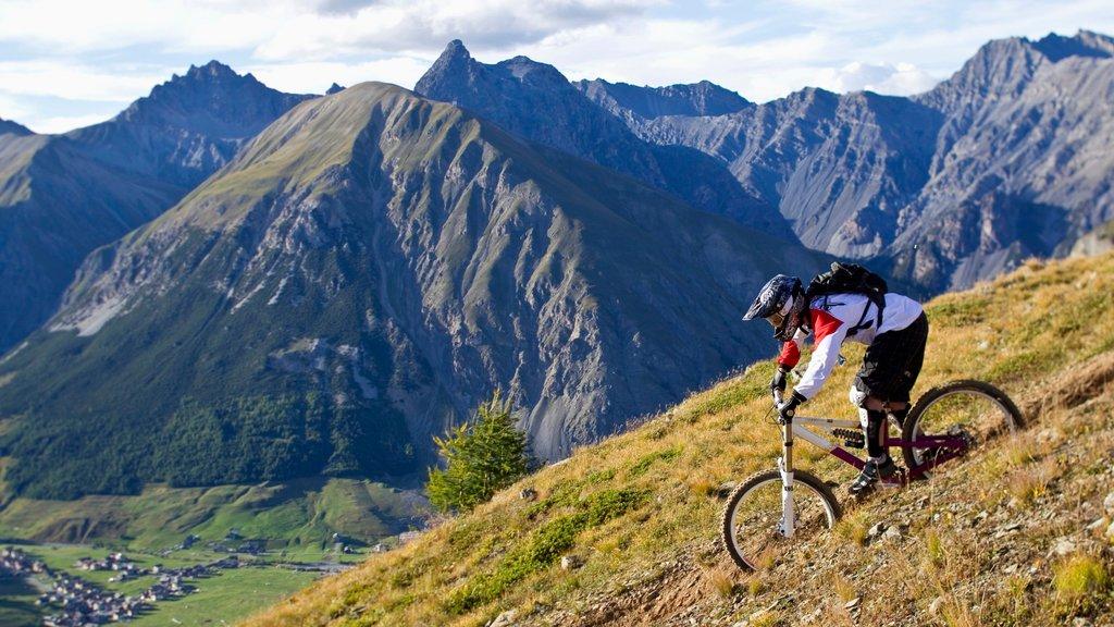 Livigno showing mountains and mountain biking