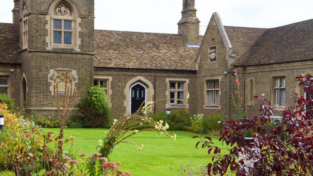 Ely mostrando una casa y patrimonio de arquitectura