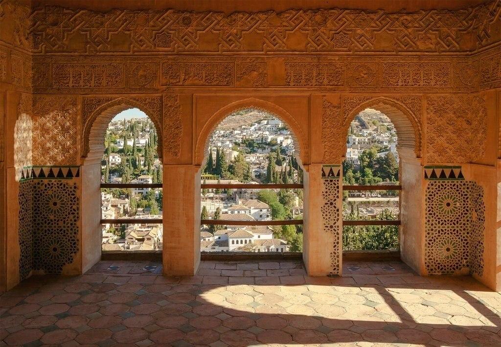 Alhambra ist eine Stadtburg in Granada