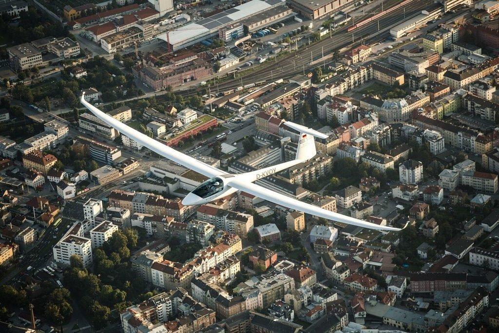 Segelflieger über Innsbruck