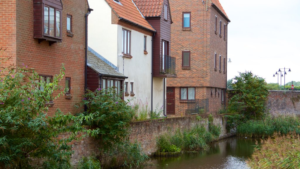 King\'s Lynn showing a lake or waterhole and a house