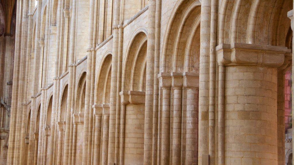 Catredral de Ely que incluye patrimonio de arquitectura, elementos del patrimonio y vistas interiores