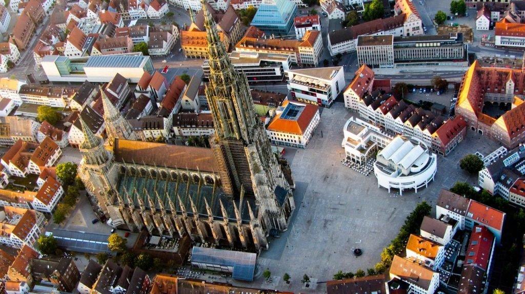 Der Ulmer Münster aus der Vogelperspektive