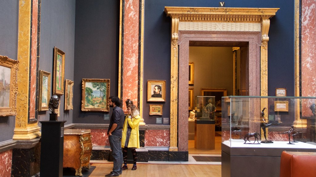 Fitzwilliam Museum showing art, heritage architecture and interior views