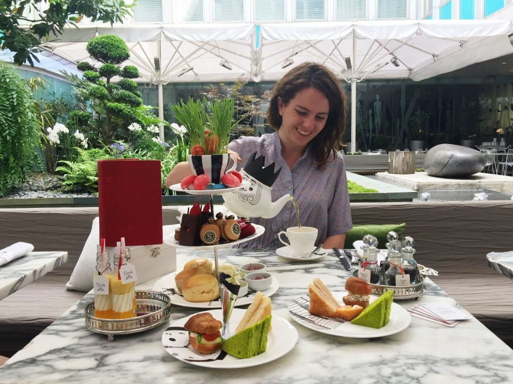 Alice im Wunderland Afternoon Tea im Sanderson in London
