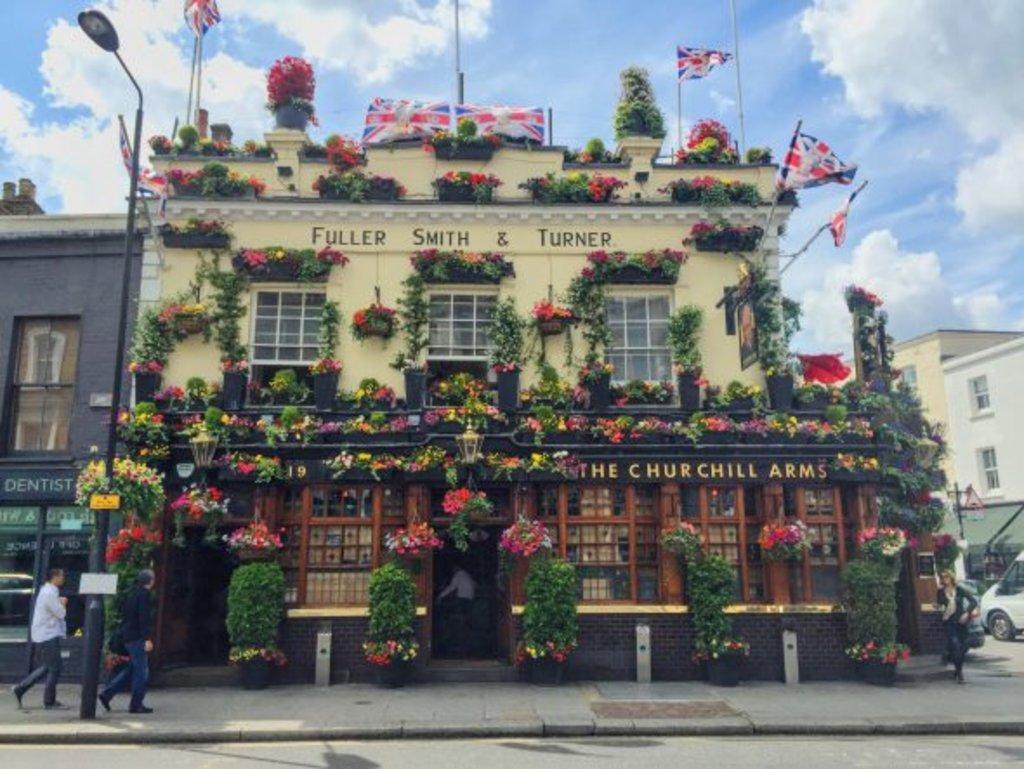 Pub Churchill Arms in London
