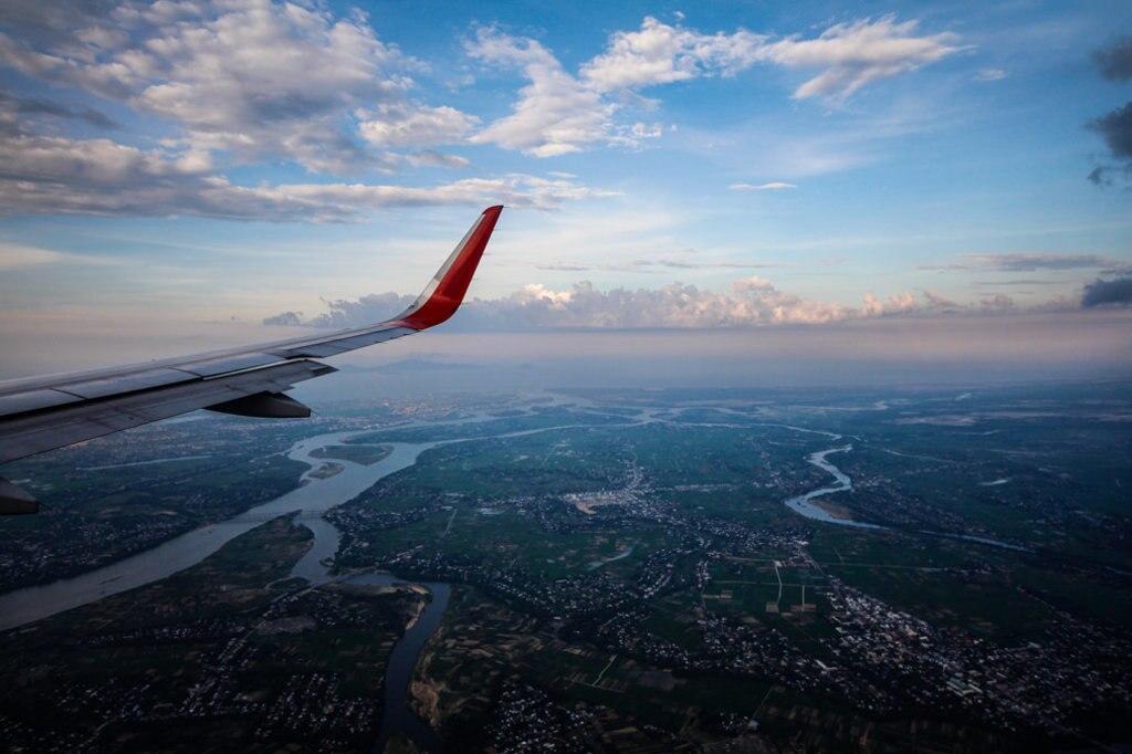 Blick aus dem Flugzeug von oben