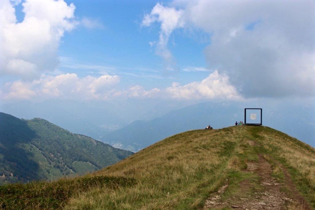 wunderbare-aussicht-vom-monte-tamaro-im-tessin, Schweiz