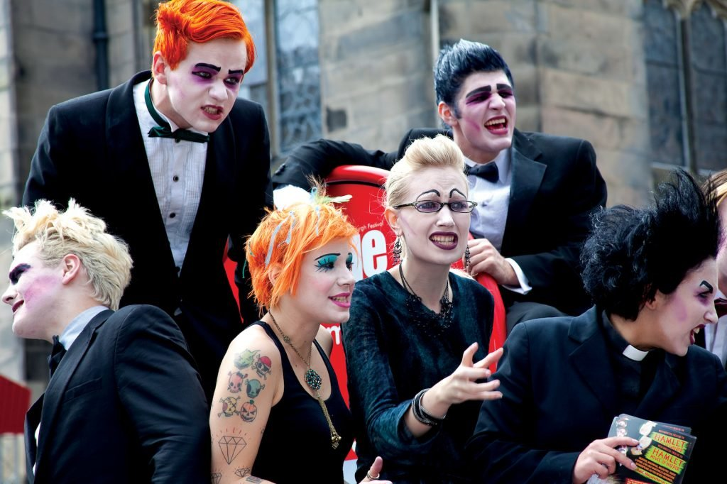 Fringe Festival Edinburgh Kostüm Menschen