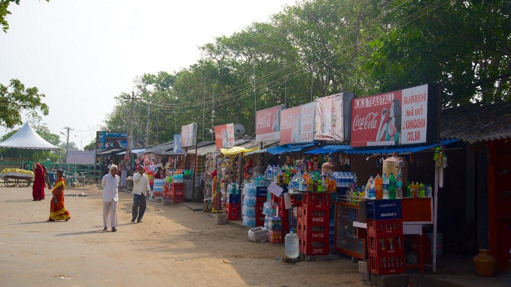Templo de la Playa mostrando mercados