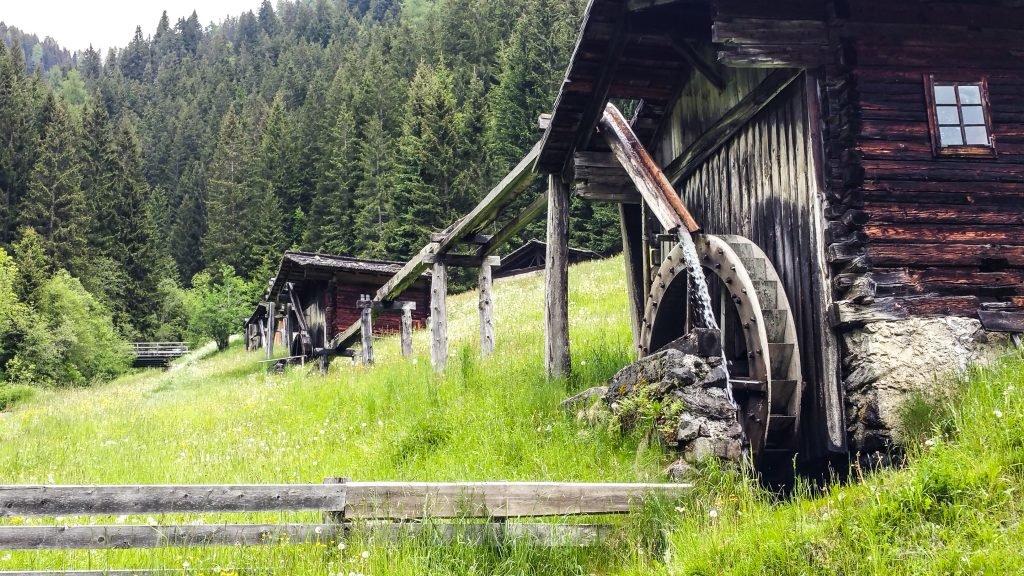 Slow Fod Kärnten Reise Hütte Berge Aussicht