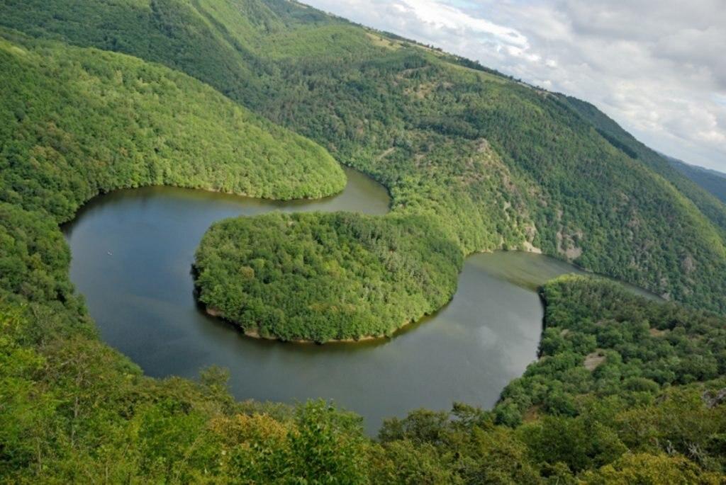 Luftaufnahme der Auvergne, Reiseziel Frankreich