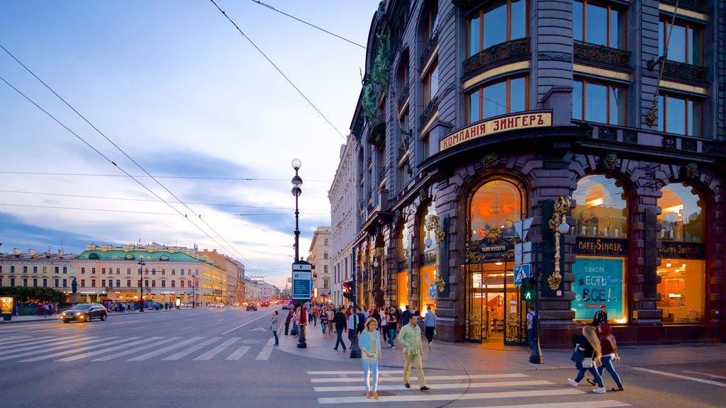 St. Petersburg showing nightlife, street scenes and night scenes