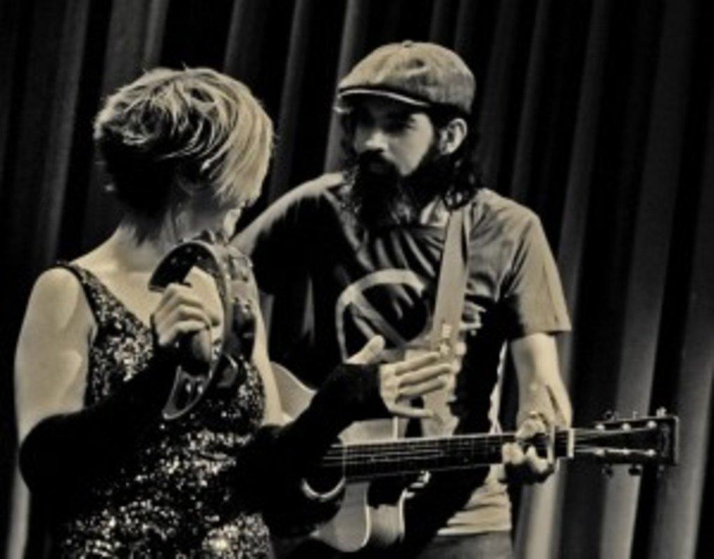 Dan & Rachel lieben es, live zu spielen - egal wo