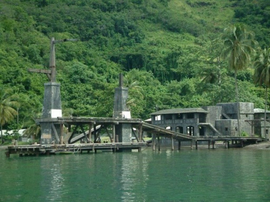 Reste der Hafenkulisse in der Wallilabou Bucht, St. Vincent © Fantasea Tours