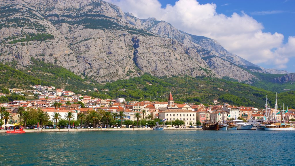 Makarska which includes general coastal views and mountains