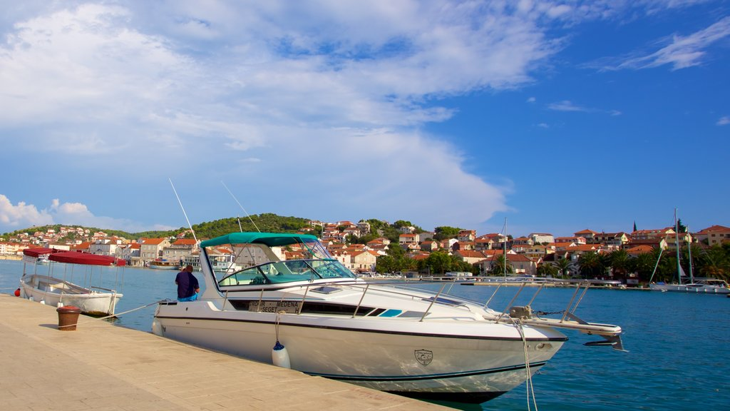 Trogir which includes a marina