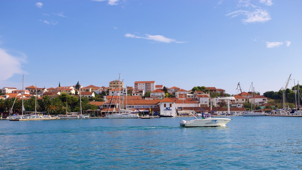 Trogir featuring a coastal town and a marina