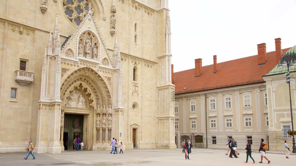 Zagreb Cathedral which includes a church or cathedral