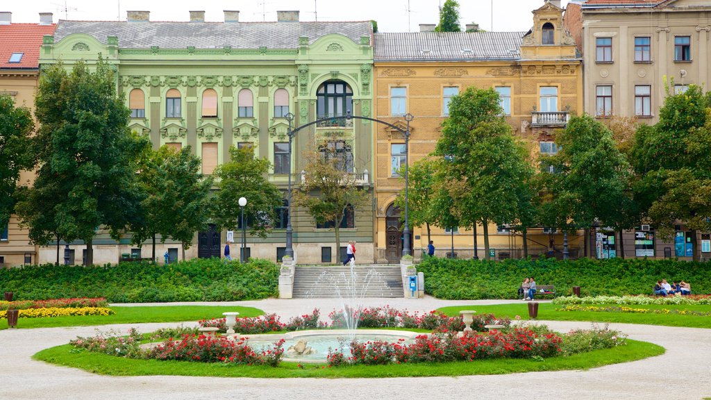 King Tomislav Square showing a park, a city and a fountain