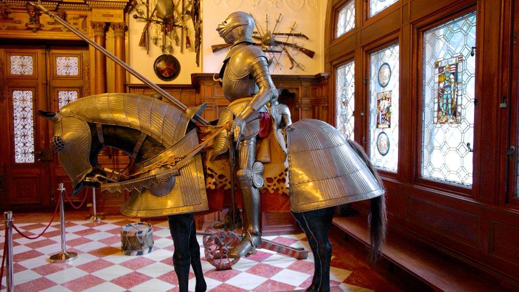 Castillo de Peles ofreciendo vistas interiores, castillo o palacio y elementos del patrimonio