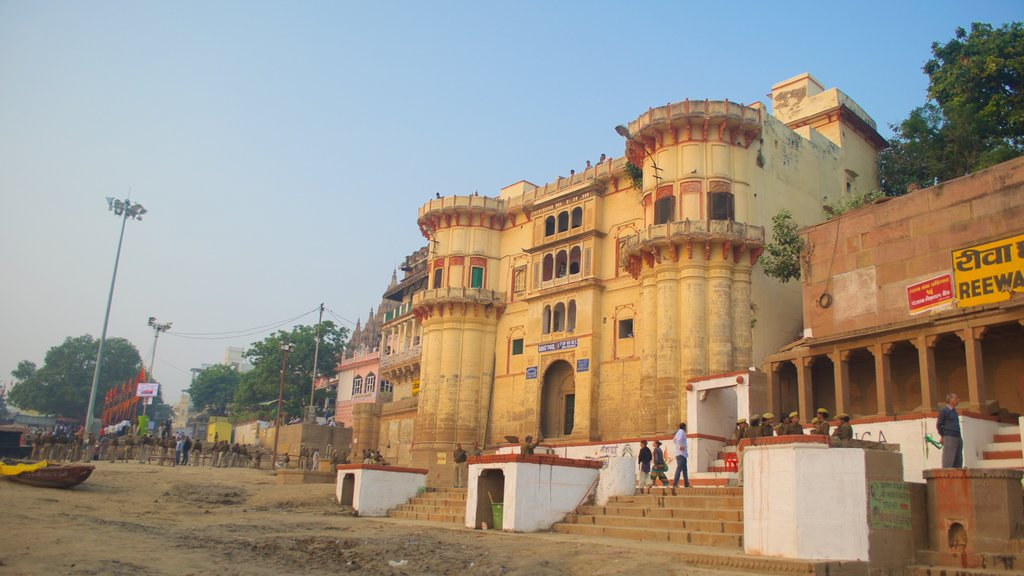 Varanasi which includes a city and heritage architecture
