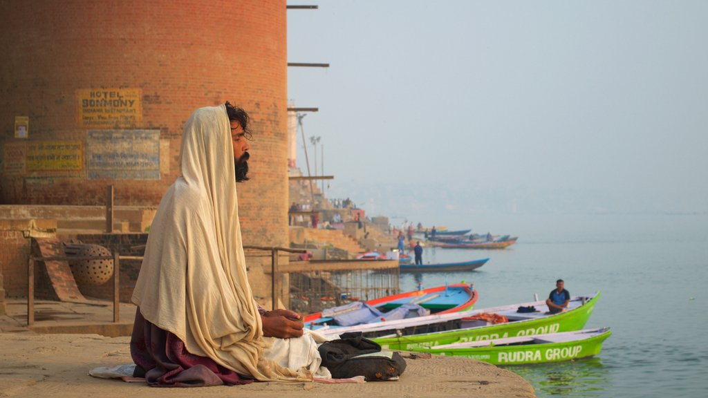 Tulsi Ghat showing religious aspects, general coastal views and boating