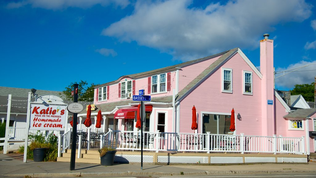 Hyannis featuring a house and shopping