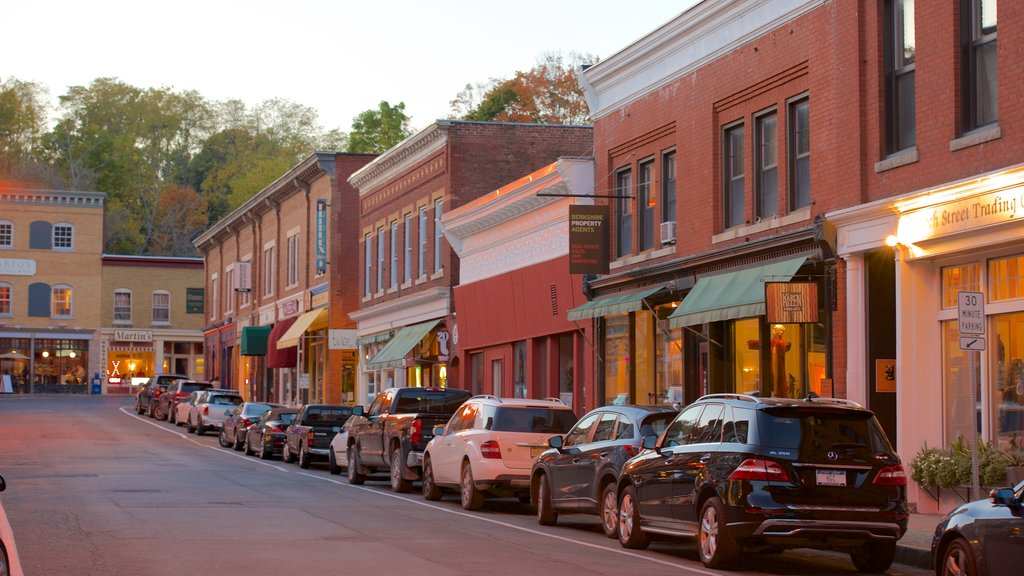 Great Barrington featuring cbd