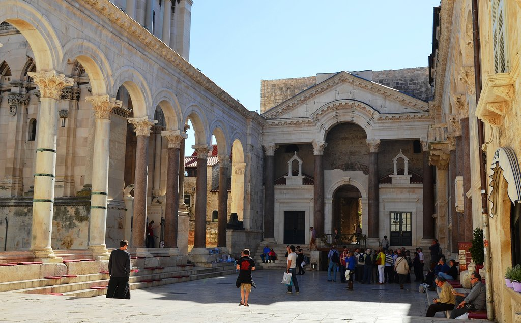 Peristyle_of_Diocletian