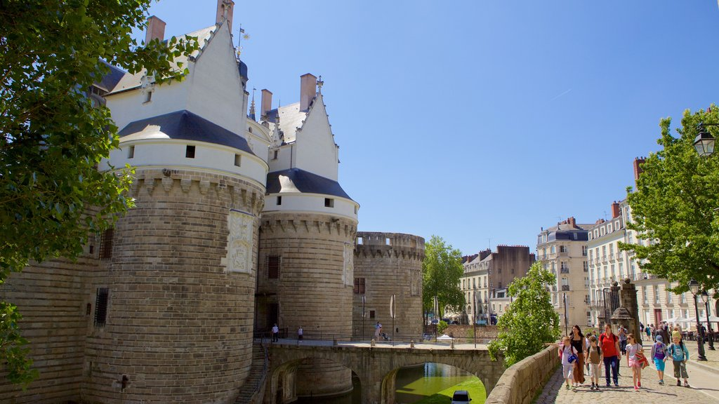 Nantes which includes heritage elements and heritage architecture