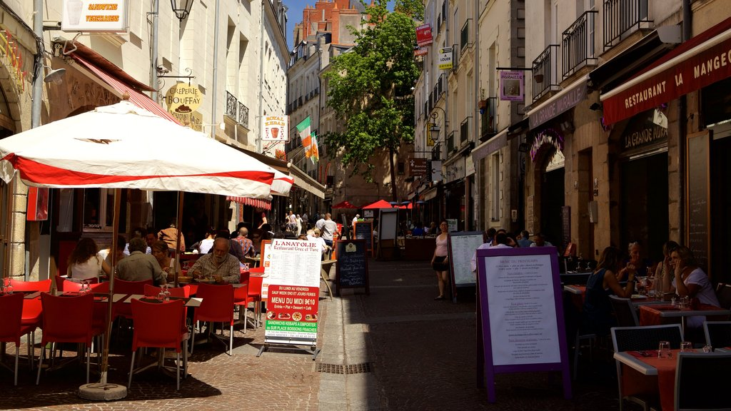 Nantes which includes outdoor eating