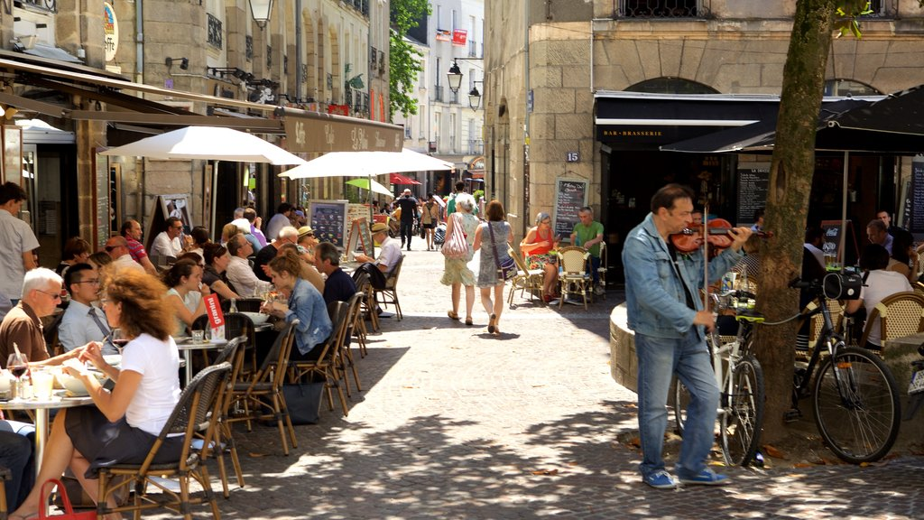 Nantes showing music and outdoor eating