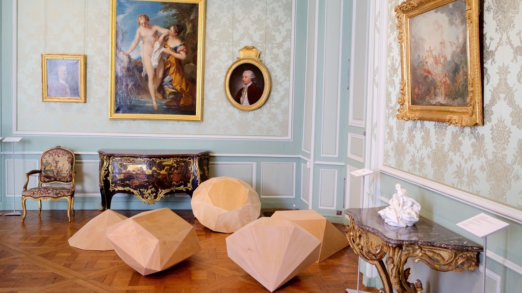 Musee des Beaux-Arts which includes heritage elements