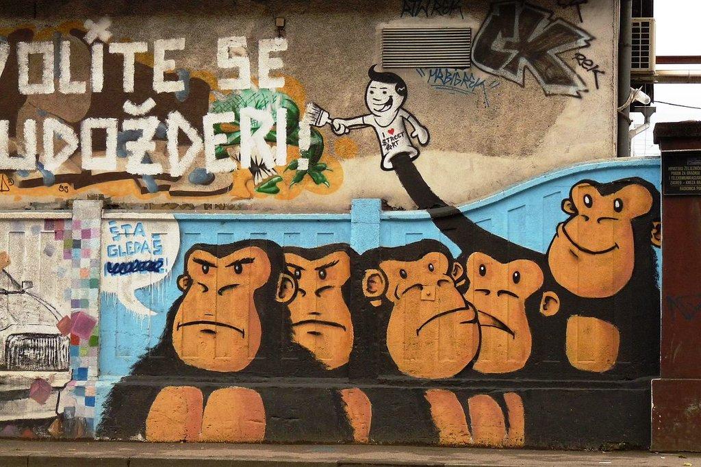 Zagreb graffiti AwOiSoAk CC BY SA 3.0.jpg