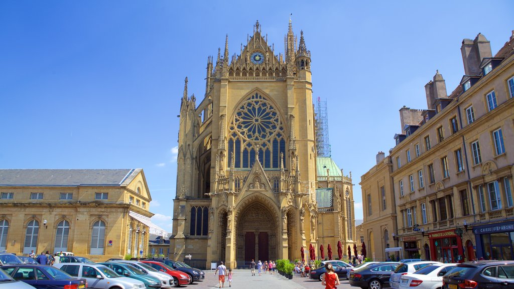 Metz which includes heritage architecture, a church or cathedral and religious elements
