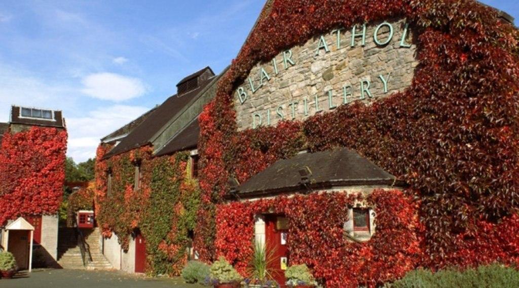 Scotland_blair-athol-distillery.jpg
