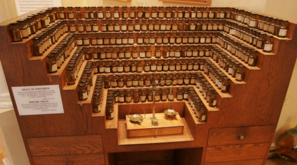 orgue de parfumeur.jpg