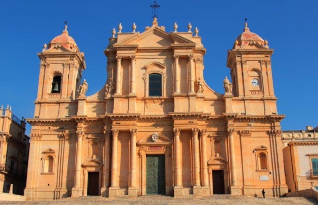 Cathédrale de noto SICILE.jpg