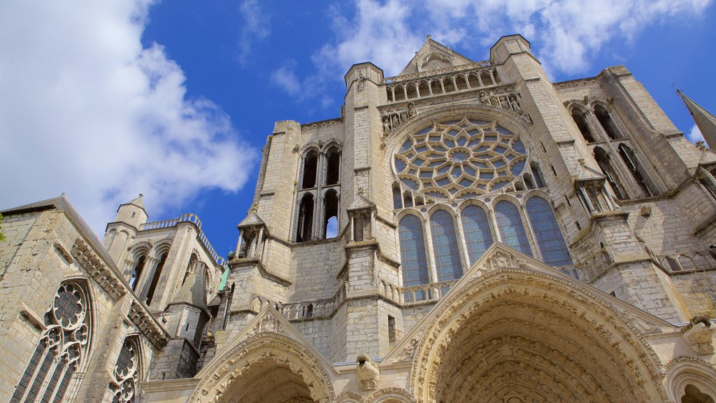 Chartres featuring heritage architecture, a church or cathedral and heritage elements